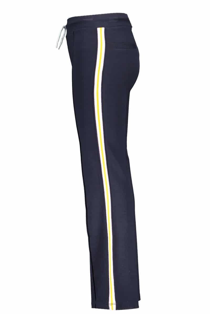 B.Nosy Straight Pants